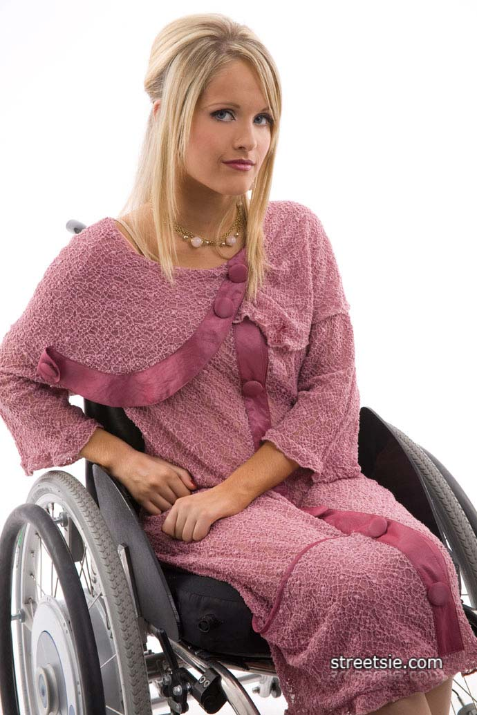 wheelchair-babe-19.jpg