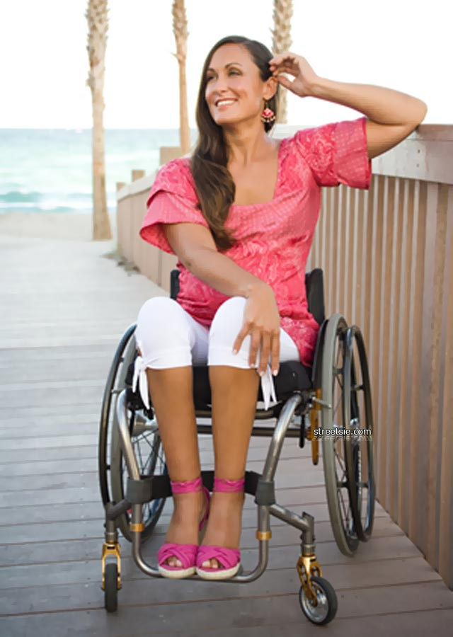 image Beautiful and pretty paraplegic makes a beautiful blowjob